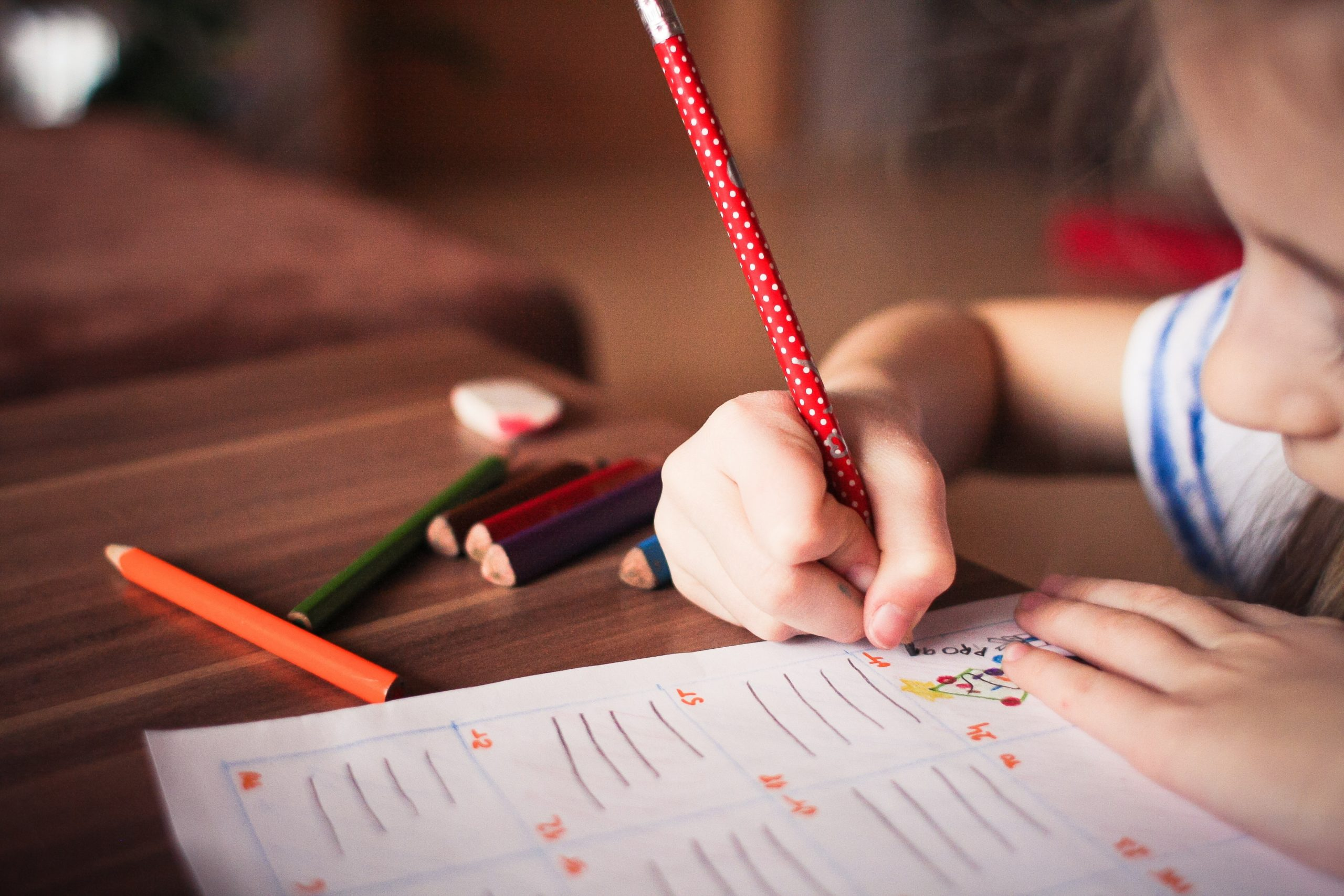 retard scolaire difficultés scolaires haut potentiel QI surdoué école devoirs