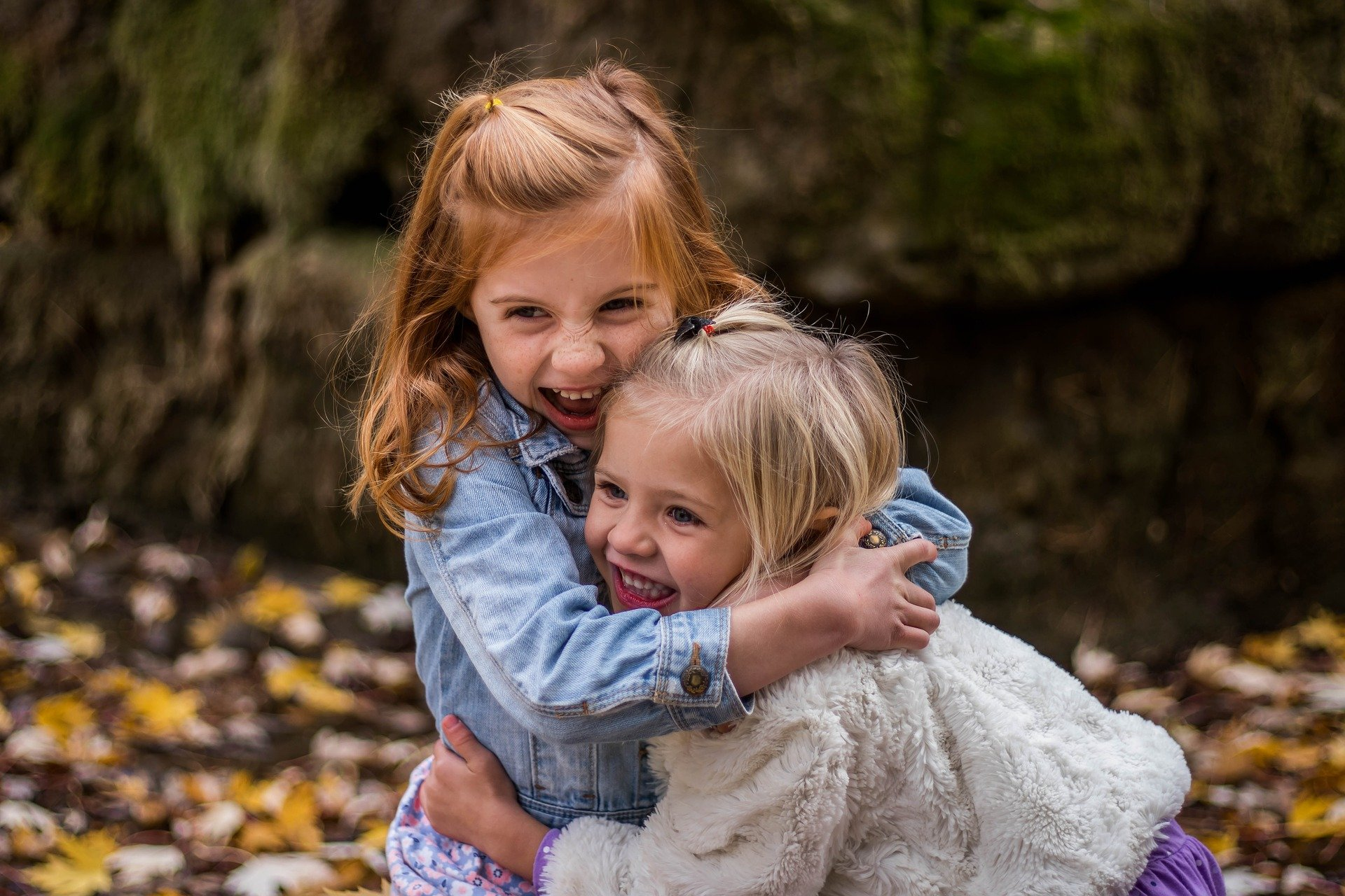 enfants jouant filles autisme